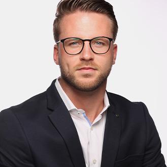 Timon Pauls vom FC Augsburg, Dozent beim Internationalen Fußball Institut